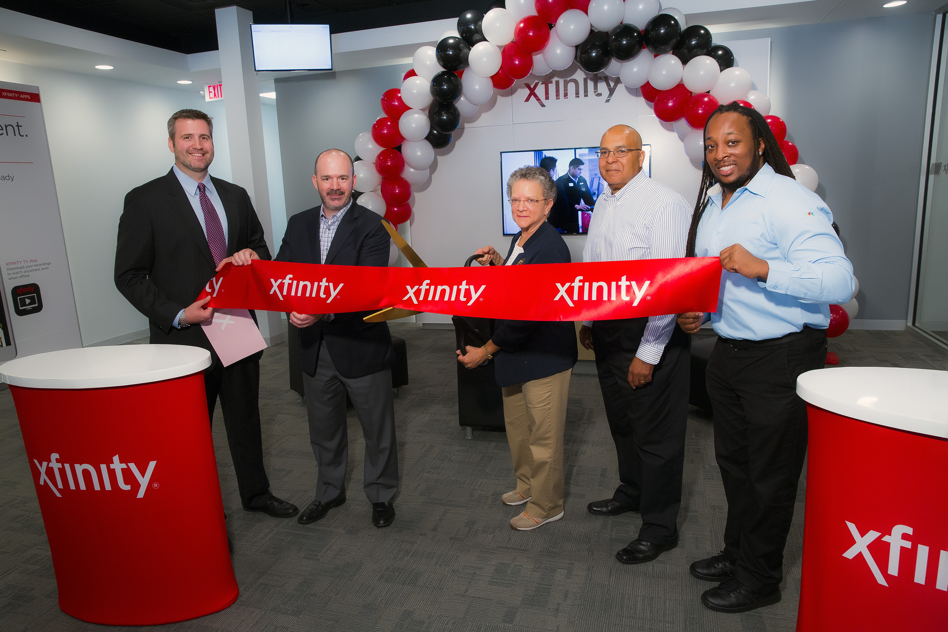 Comcast Market Manager Brian Paciorek, Comcast Director of Retail Sales & Marketing Mark Dionne, New Jersey Assemblywoman Mila Jasey, Comcast Senior Director of Government Affairs Charles Smith, Comcast West Orange Xfinity Store Manager Jason Gathright