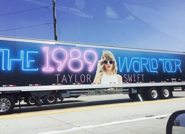 Check Out Taylor Swift S Tour Bus At The Comcast Center On Thursday